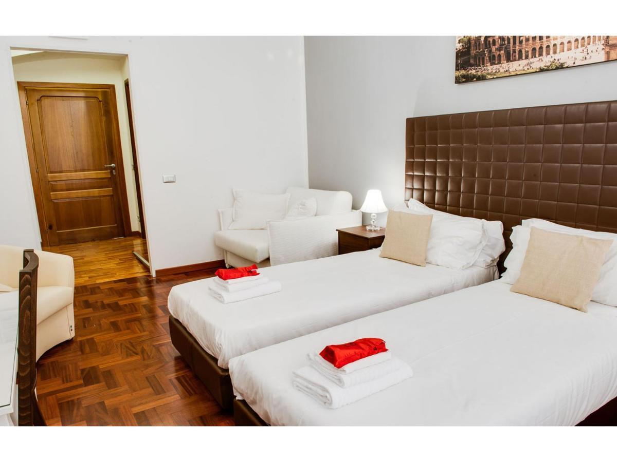 Lh Royal Suites - Laterooms