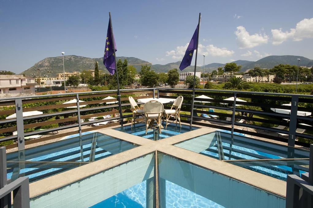 Hotel Poseidon - Laterooms