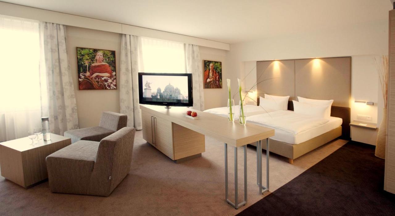 Estrel Hotel Berlin - Laterooms