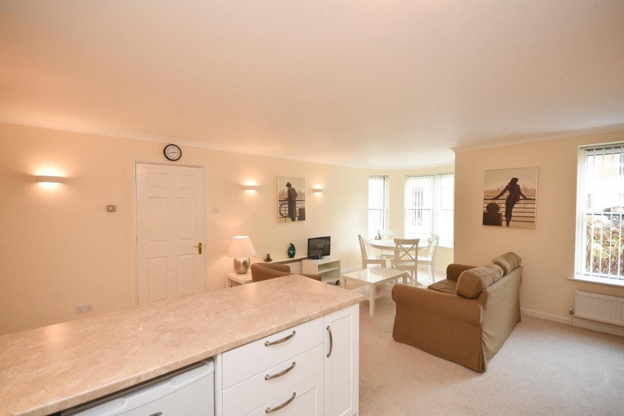 Town or Country - Osborne House - Laterooms