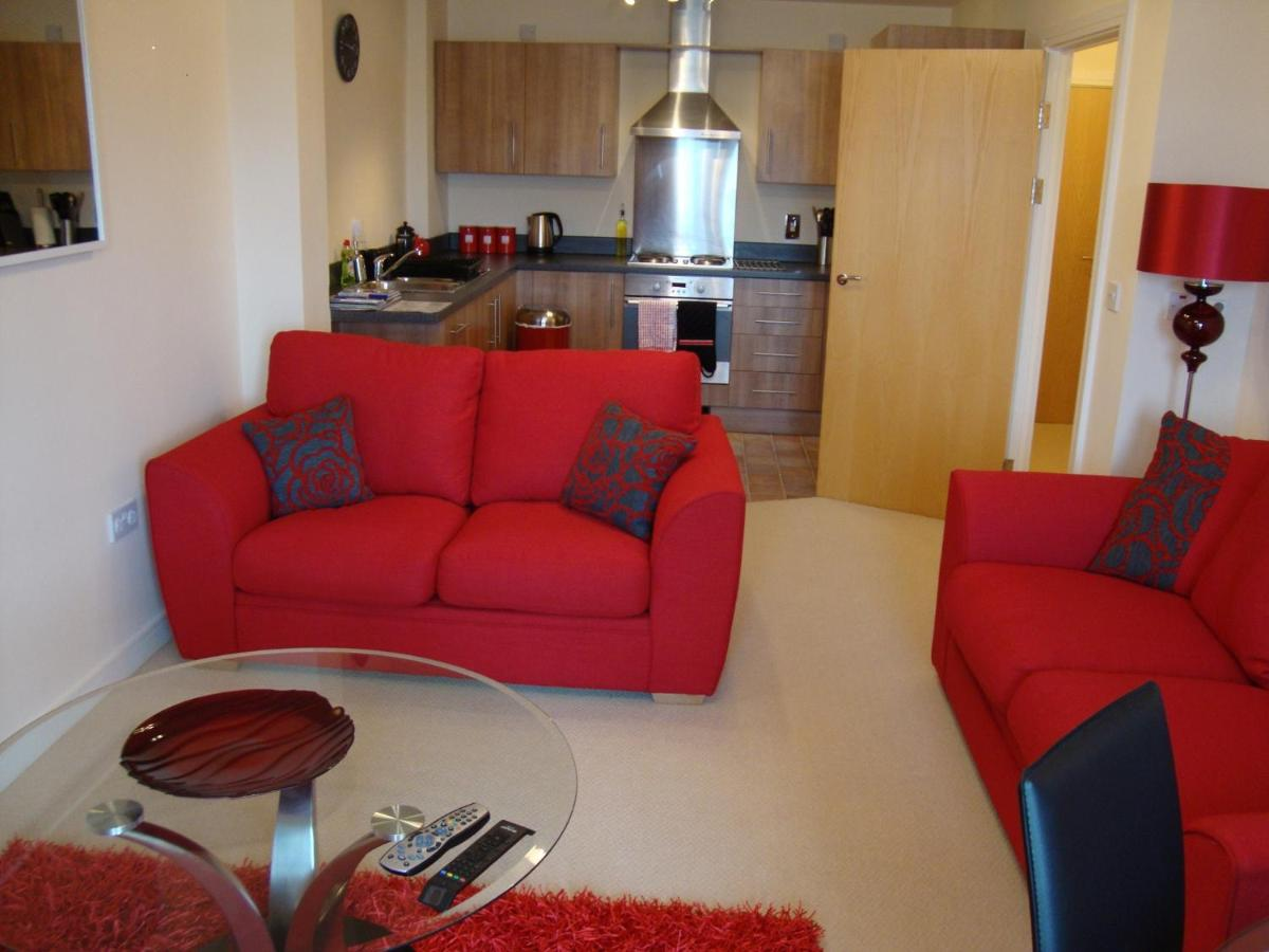 Riverbank Penthouse and Apartments - Laterooms