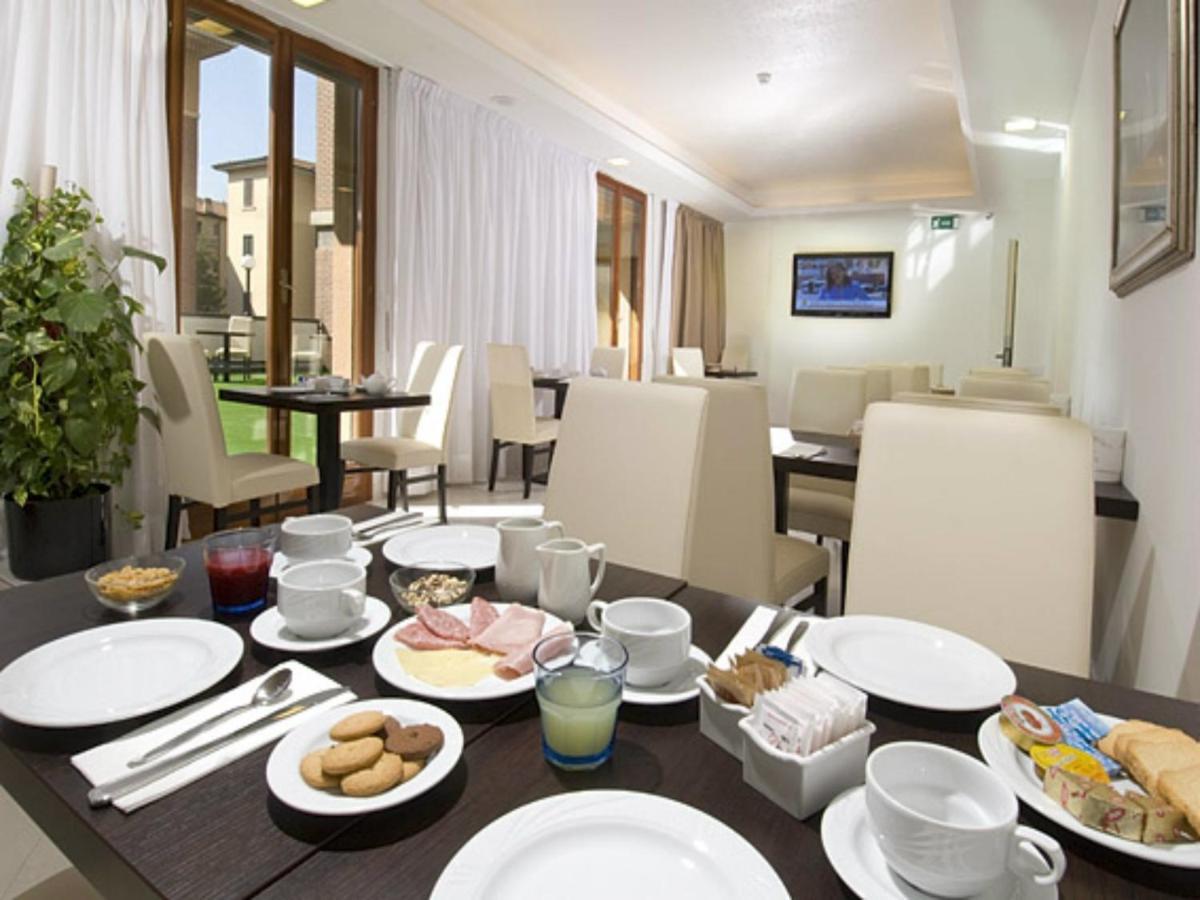 Suite Hotel elite - Laterooms