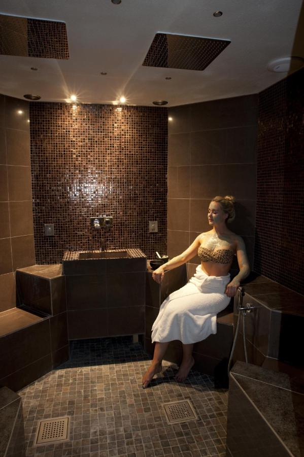 Thornton Hall Hotel and Spa - Laterooms