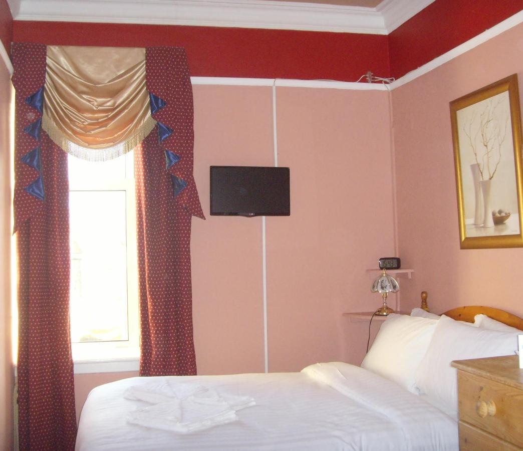 Twin Lions Hotel - Laterooms