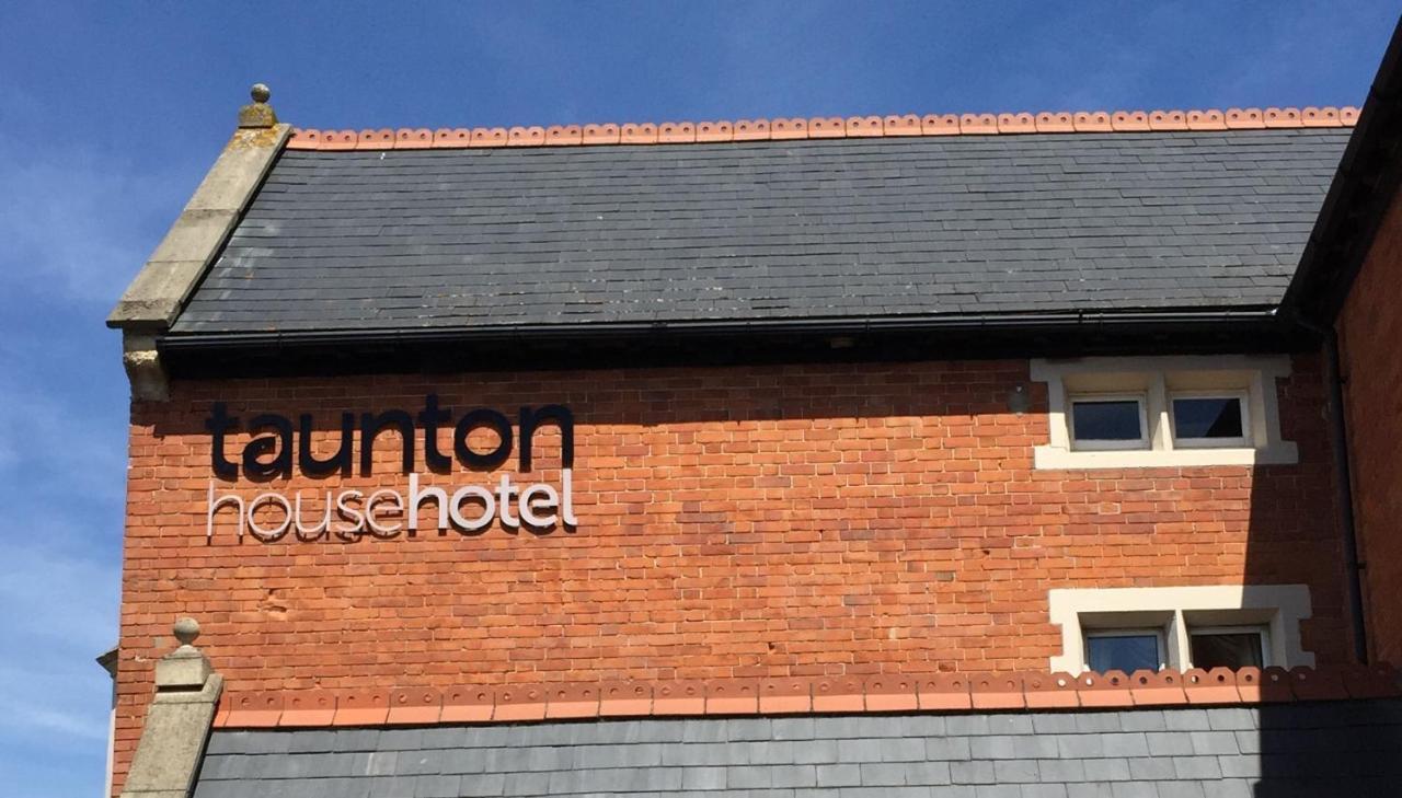 Taunton House Hotel - Laterooms