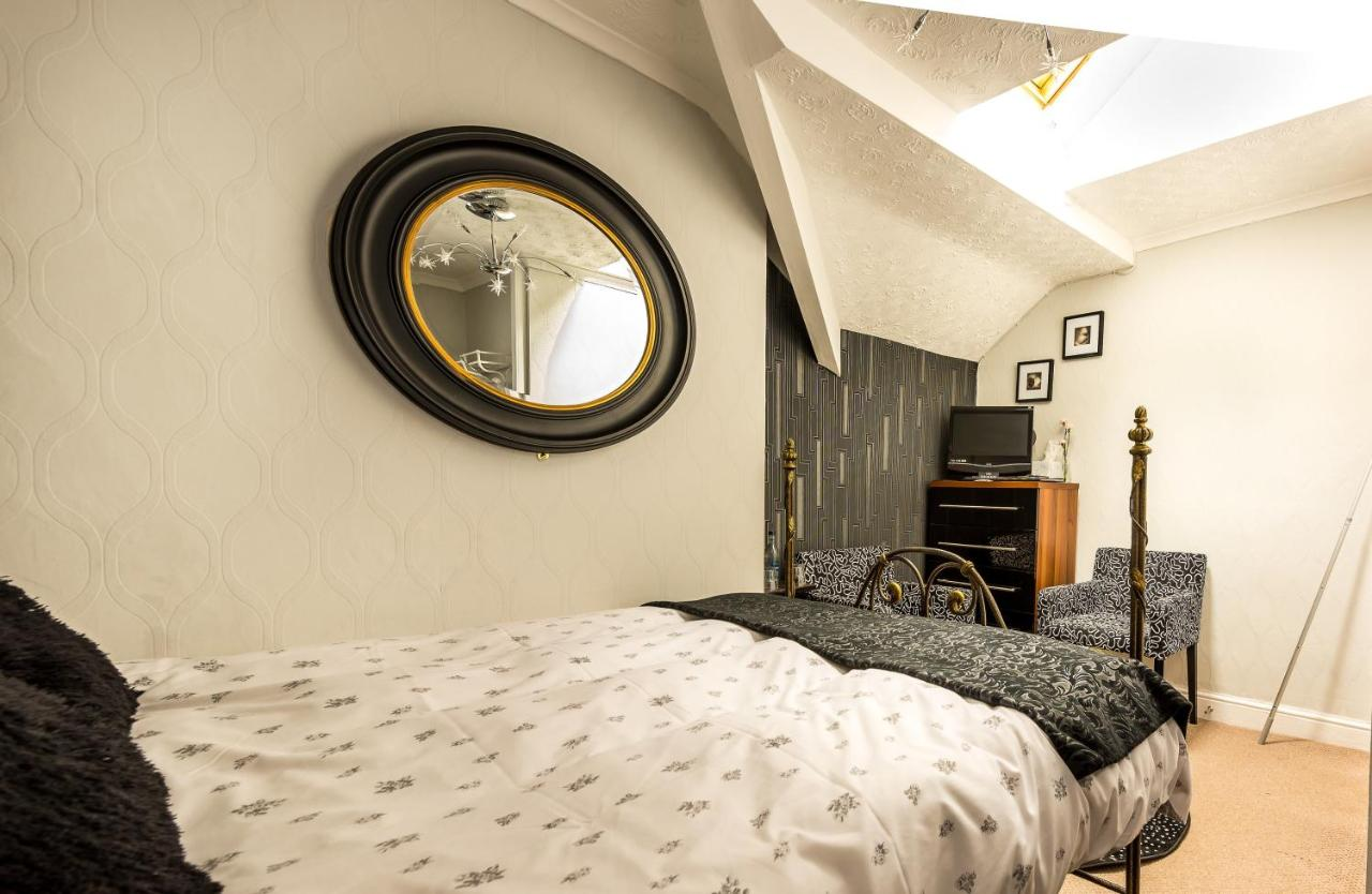 Shananagens Guest House - Laterooms