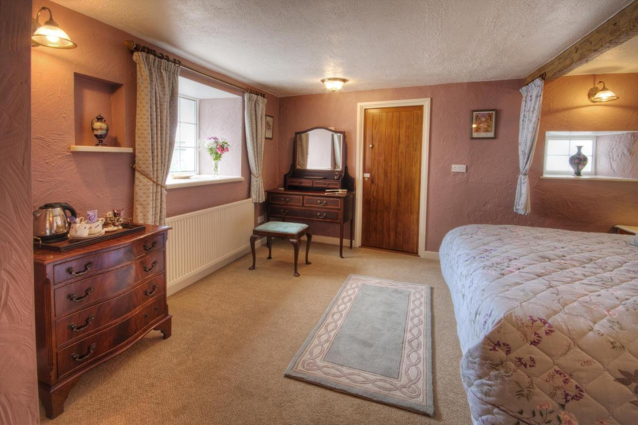 Tinhay Mill Guest House - Laterooms