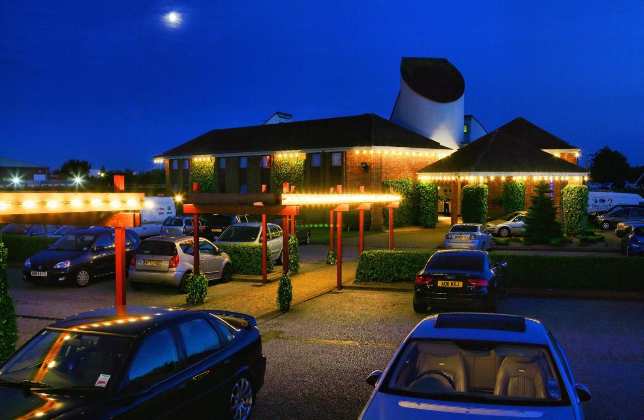Damon's Hotel - Laterooms