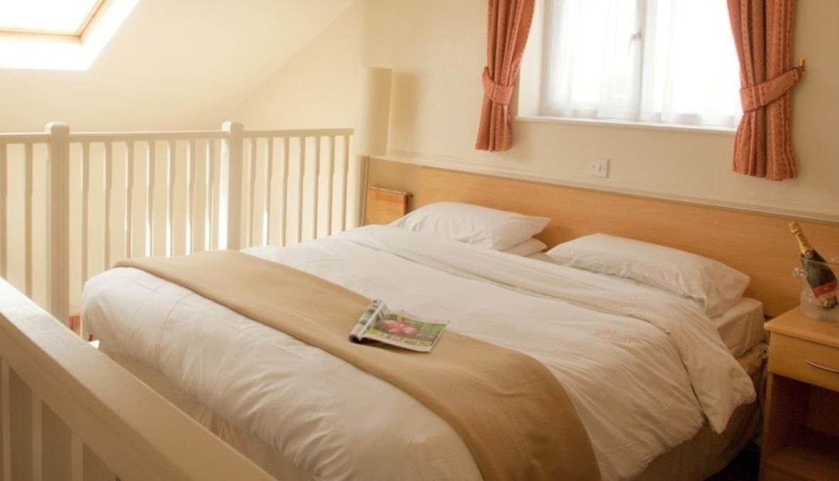 Moreton Park Hotel - Laterooms