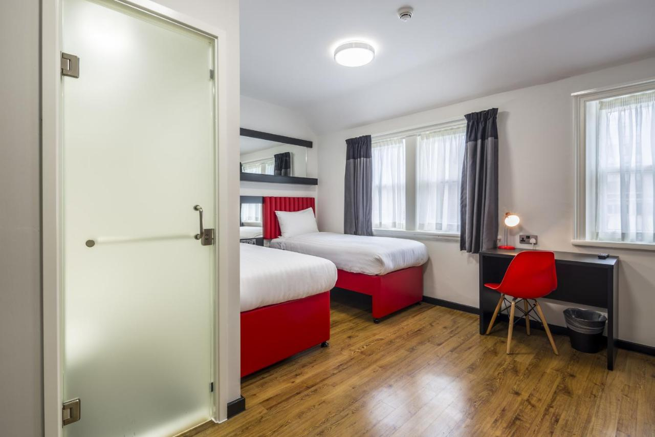 Tune Hotel Liverpool - Laterooms