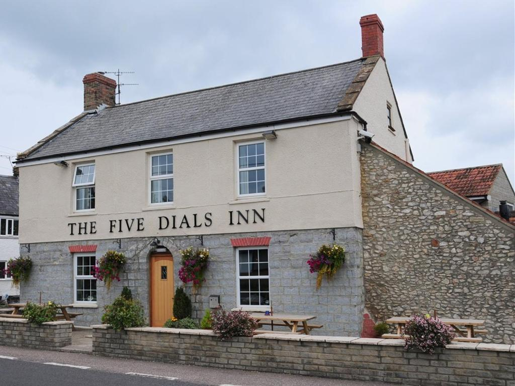 The Five Dials Inn - Laterooms