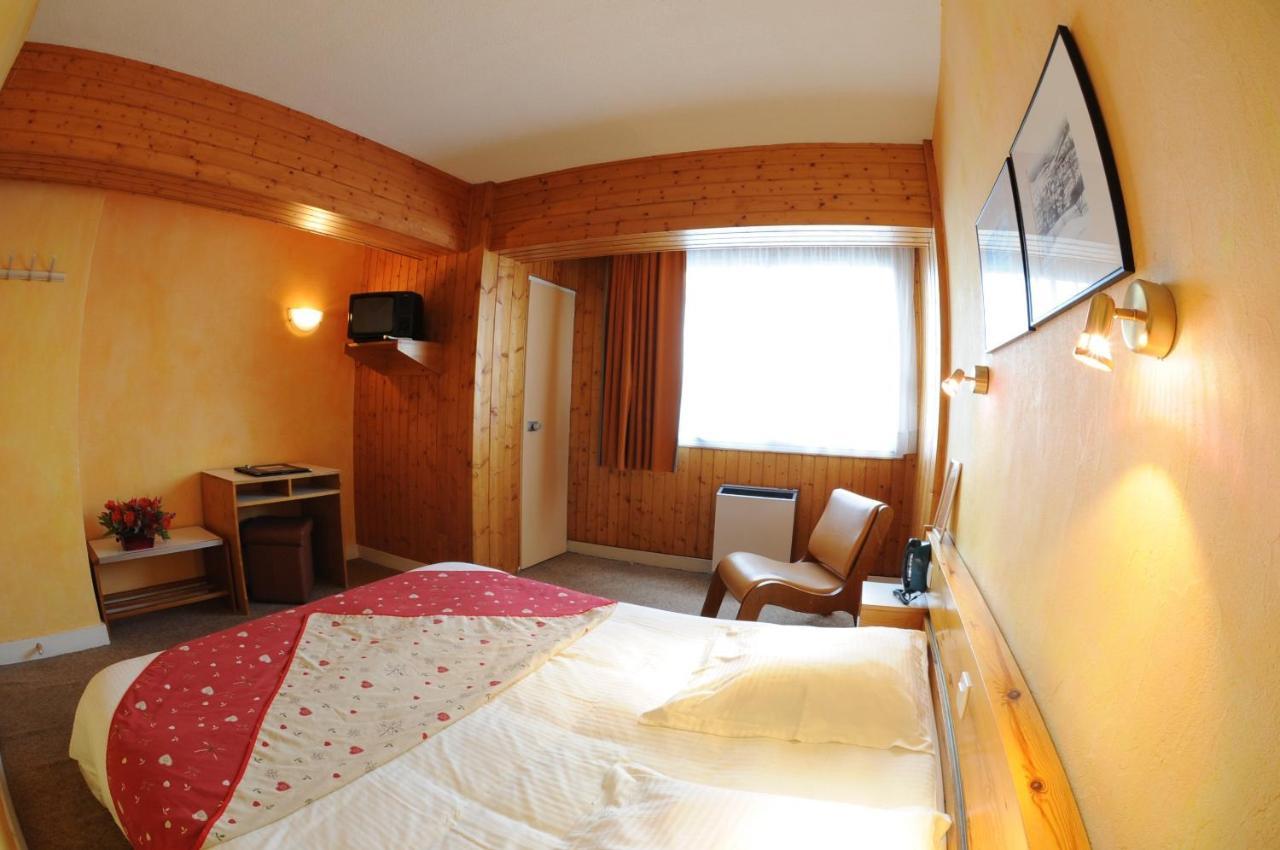 Hotel Carlit - Laterooms
