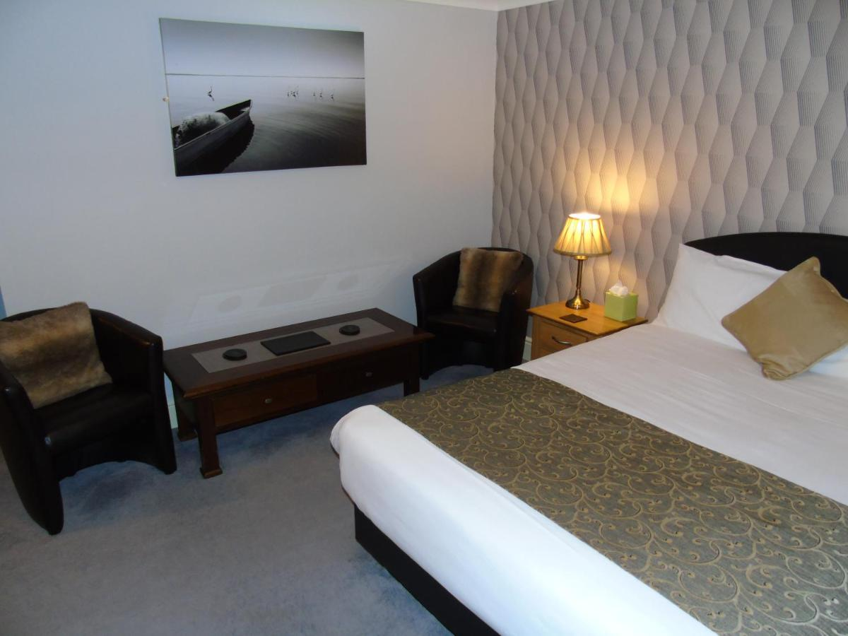 Jeffersons Hotel & Apartments - Laterooms