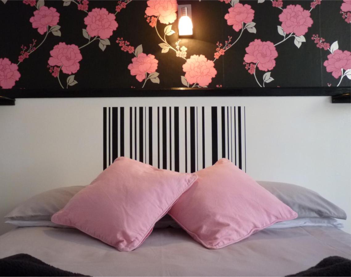 Millifont Guest House - Laterooms