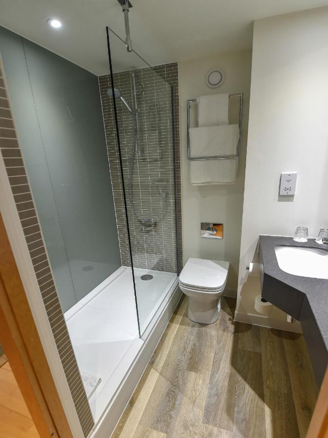 Holiday Inn Derby Nottingham - Laterooms