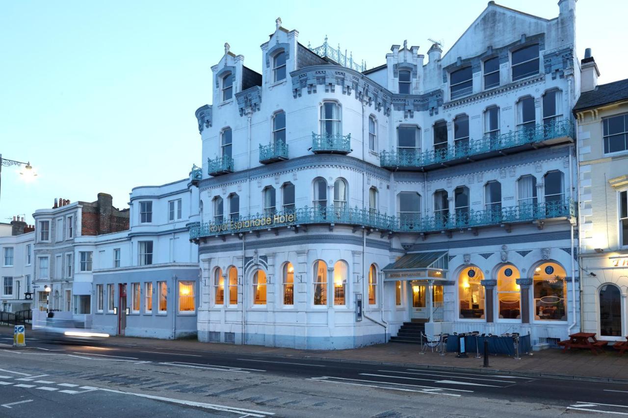 The Royal Esplanade - Laterooms