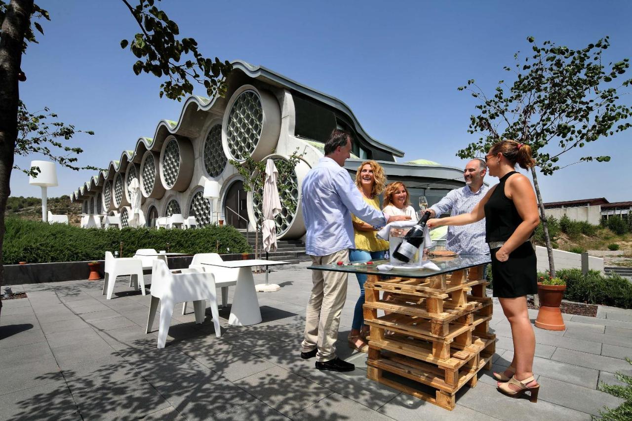 Cava & Hotel Mastinell - Laterooms