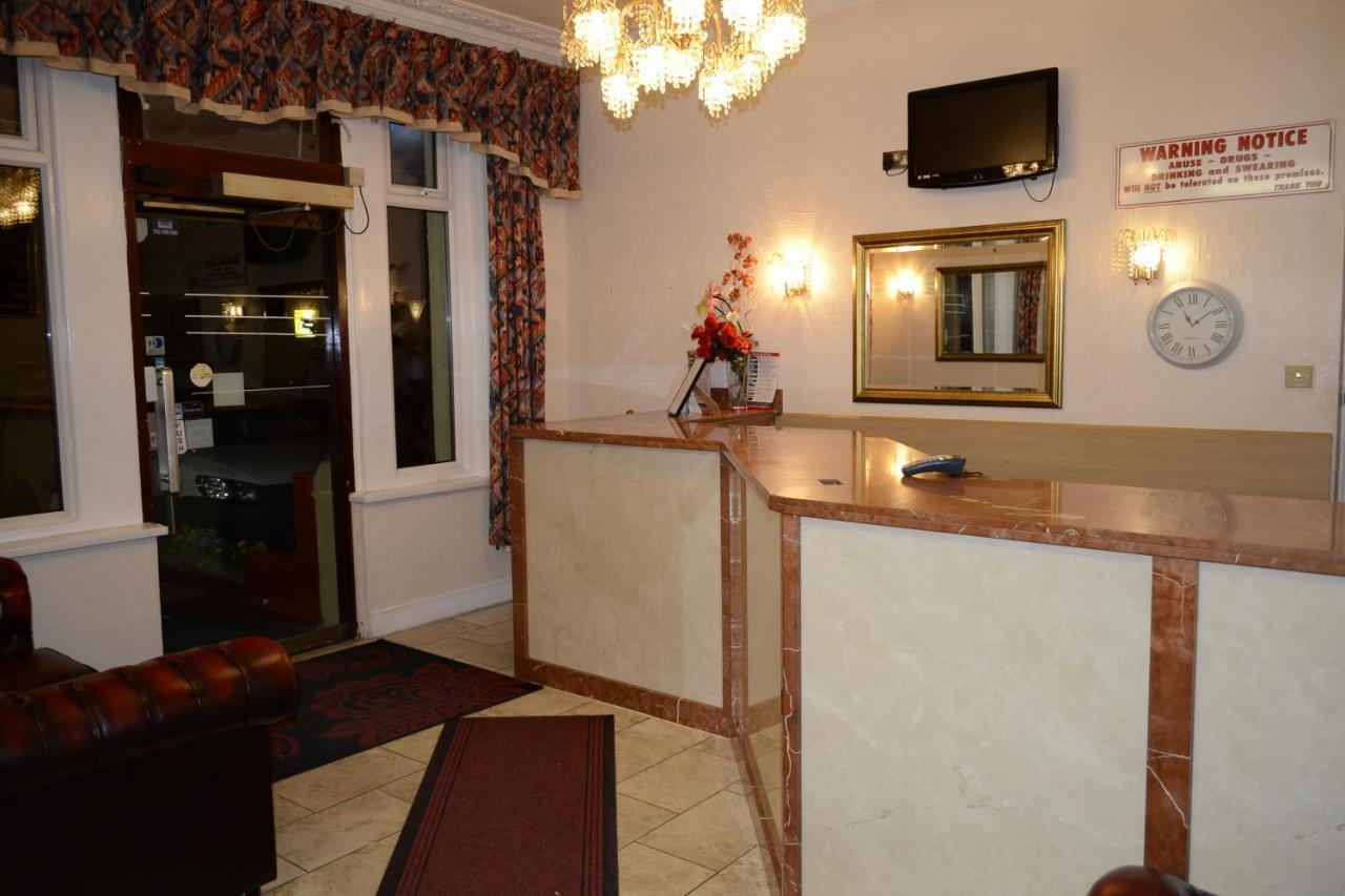 Cranbrook Hotel - Laterooms