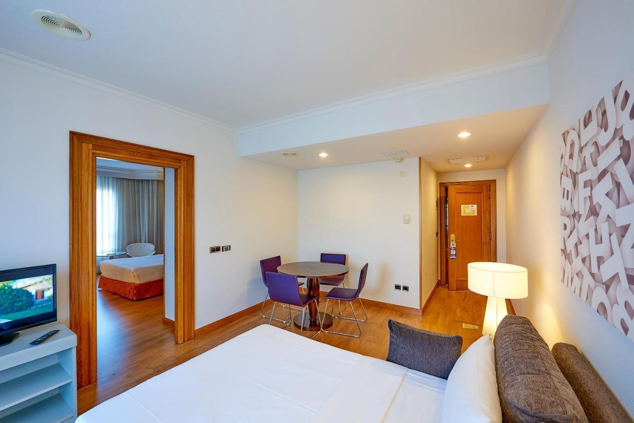 TRYP Vigo Los Galeones Hotel - Laterooms