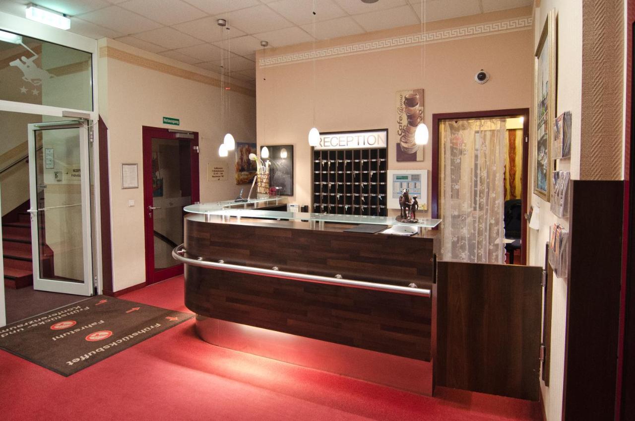 Hotel POLO am ZOB GmbH - Laterooms