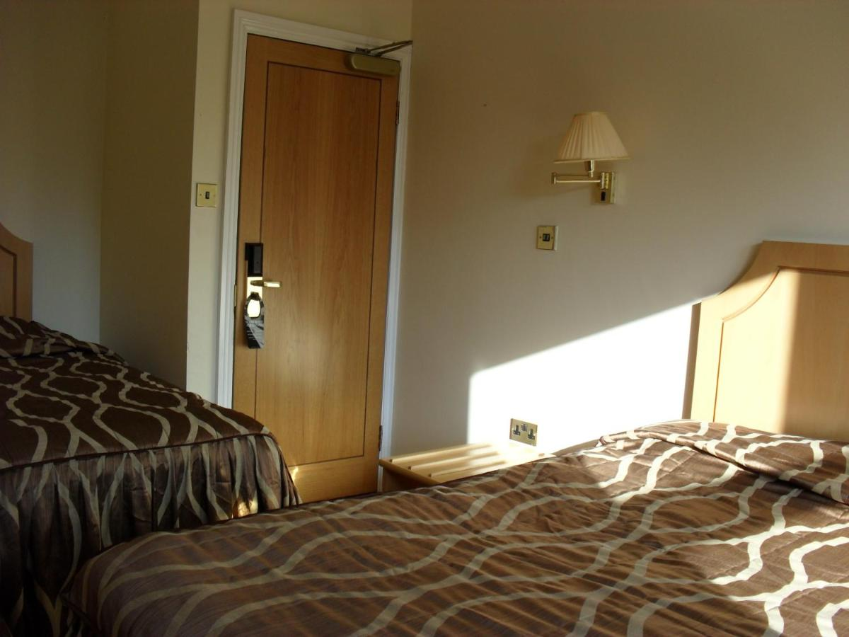 The Lawn Hotel - Laterooms