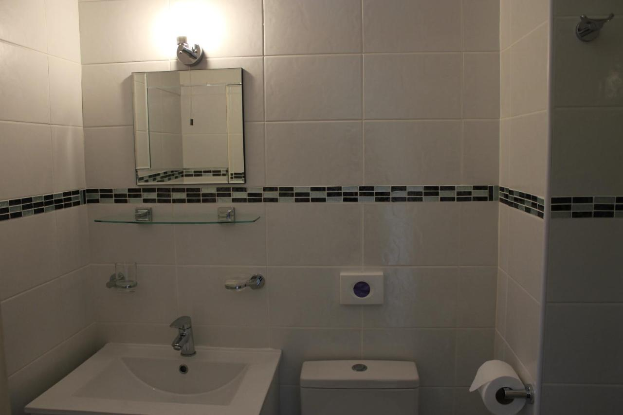Elmfield Guest Accommodation - Laterooms