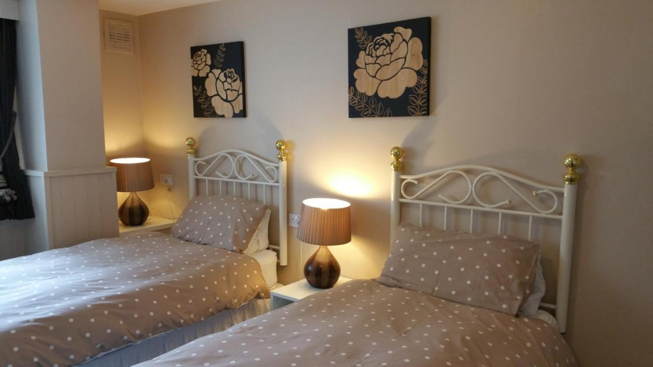 Kingswood Guest House - Laterooms