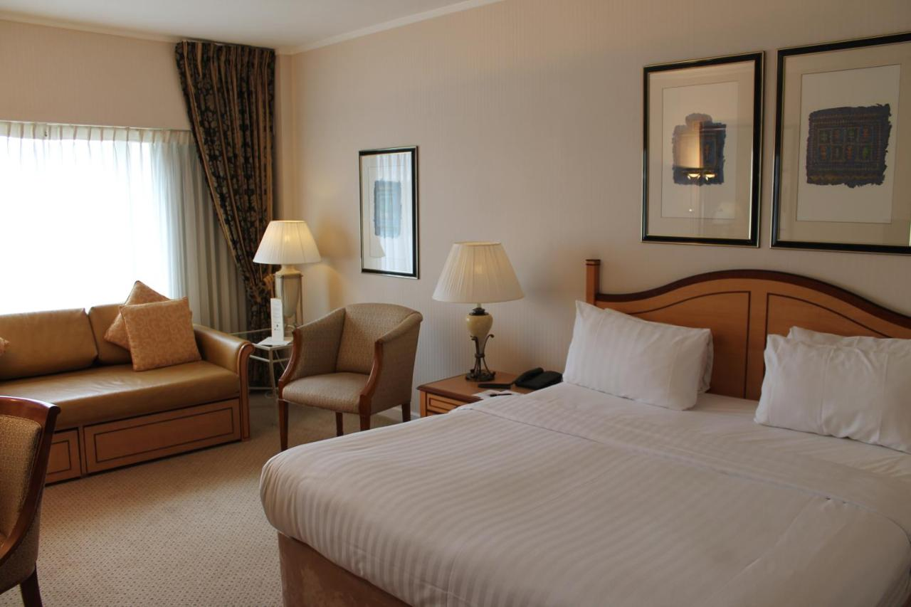 The Golden Jubilee Conference Hotel - Laterooms
