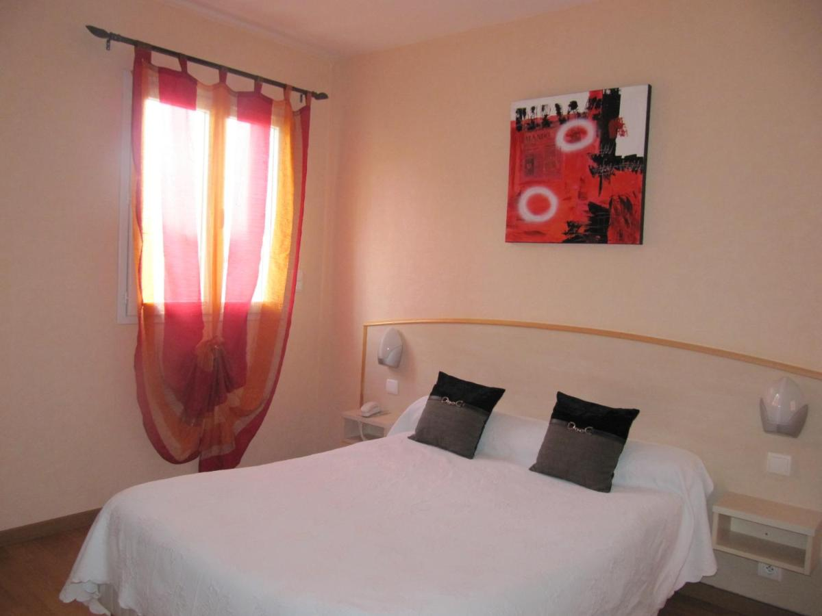 Hôtel Le Colombier, Saint Pantaléon de Larche – Updated 20 Prices
