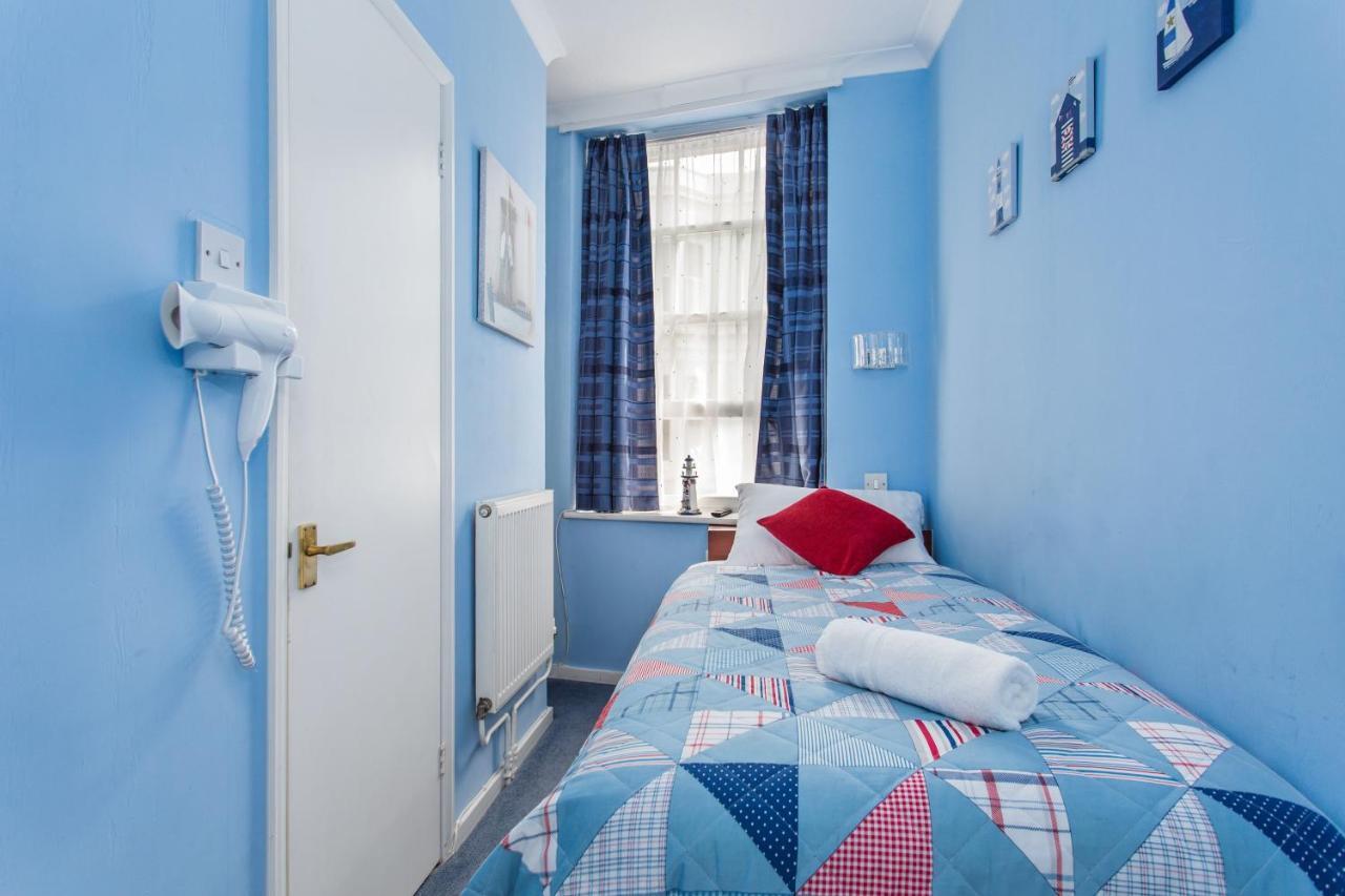 Brighton Marina House Hotel - Laterooms