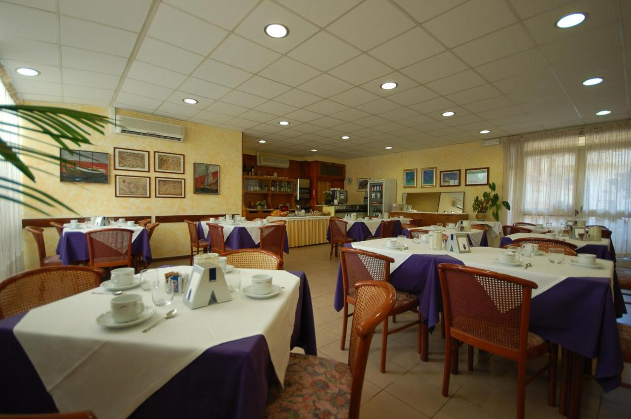 Ely Hotel - Laterooms