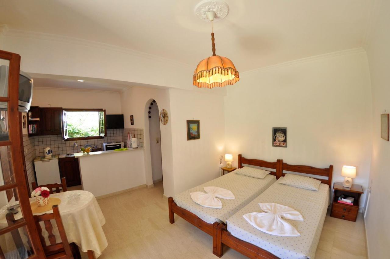 Alexandros Apartments & Studios - Laterooms