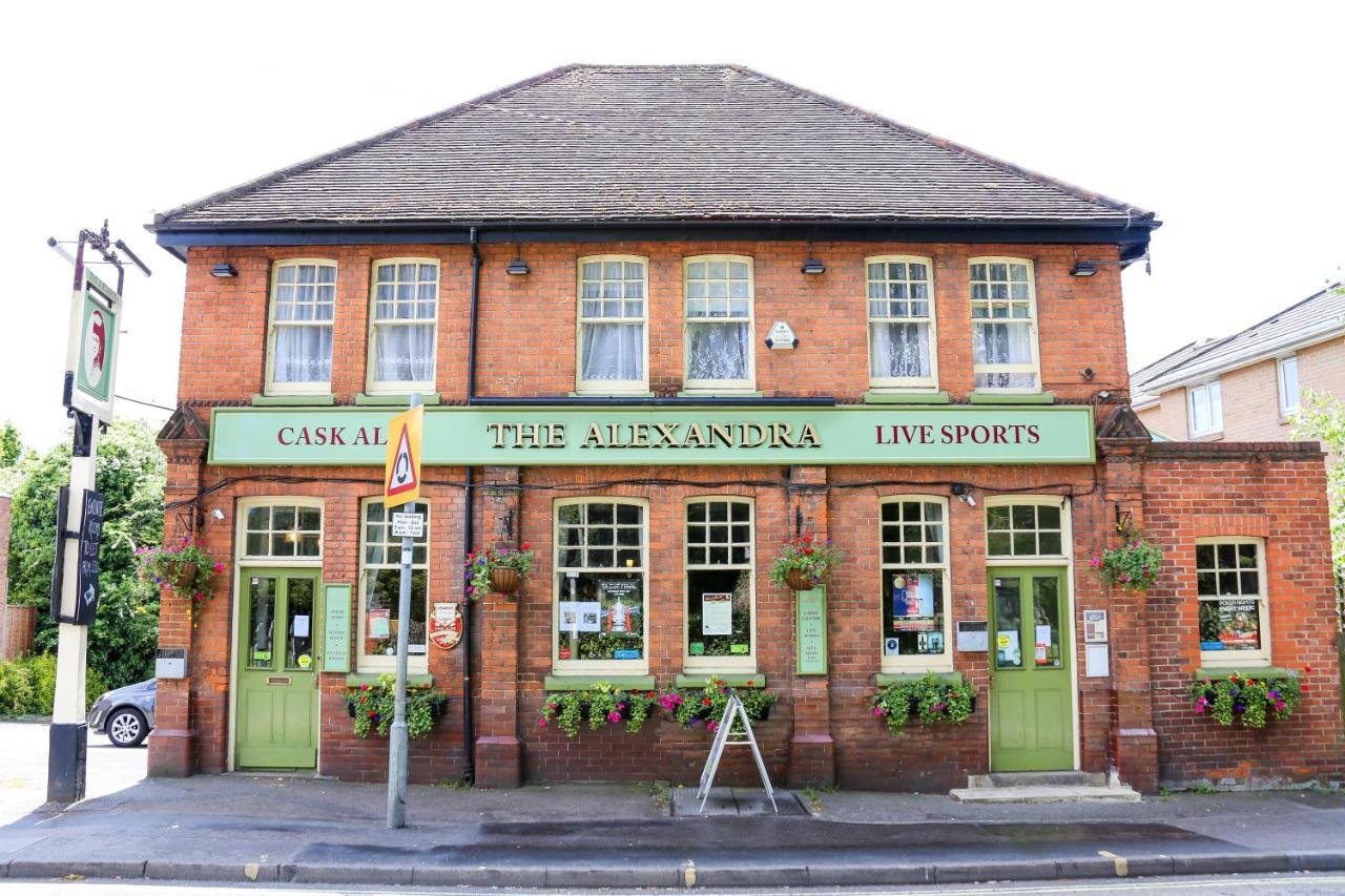Alexandra Pub - Laterooms