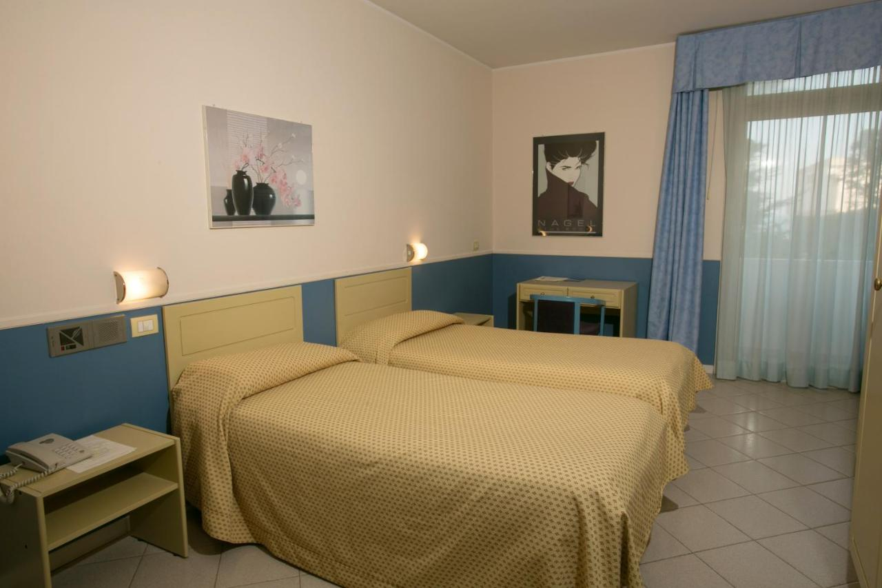 HOTEL SALSELLO - Laterooms