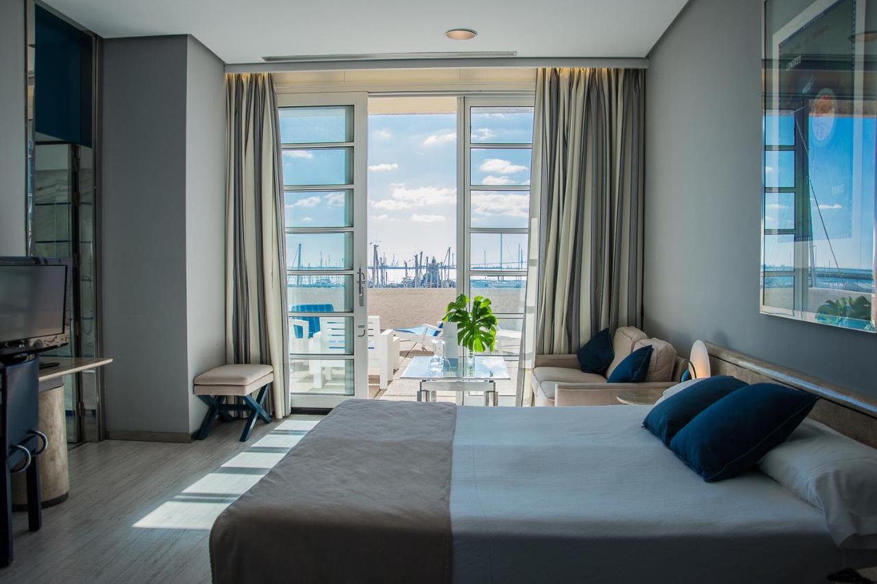 Apartamentos Puerto Sherry - Laterooms