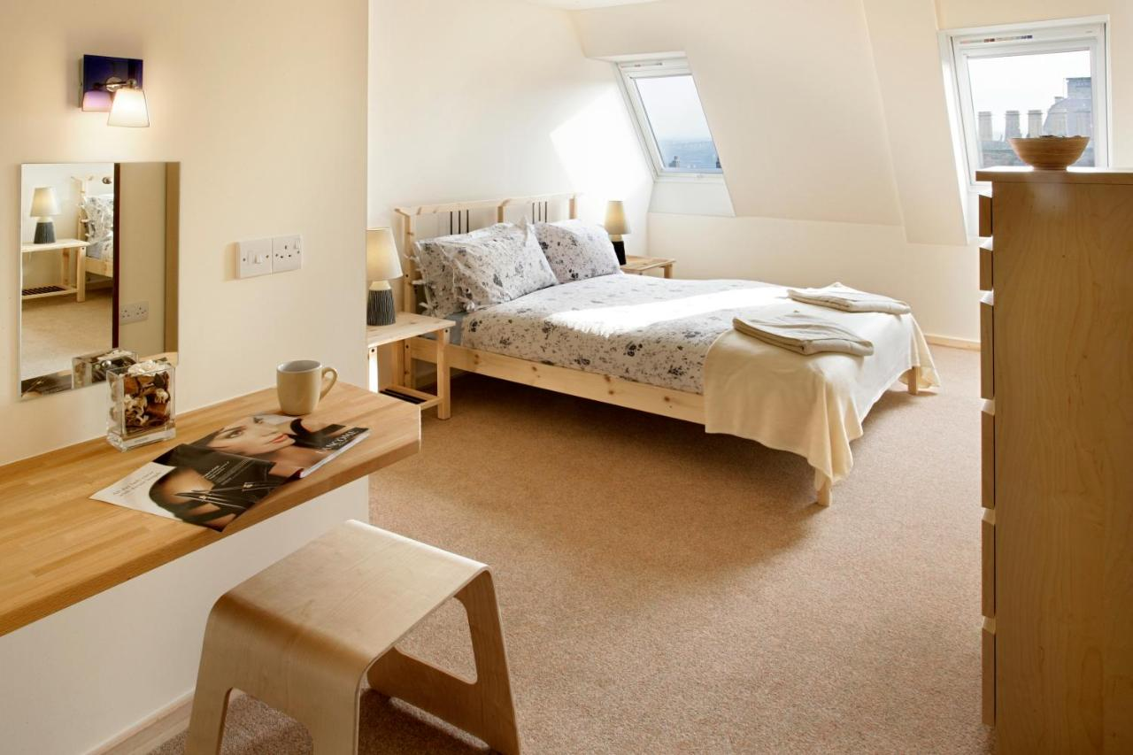Discovery and Starfish Accommodation - Laterooms