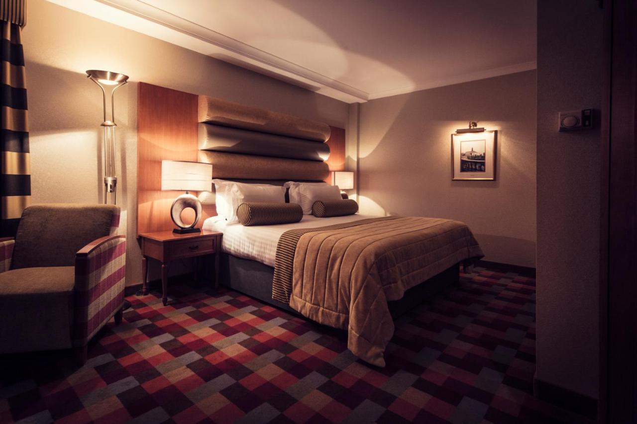 Carlton George Hotel - Laterooms