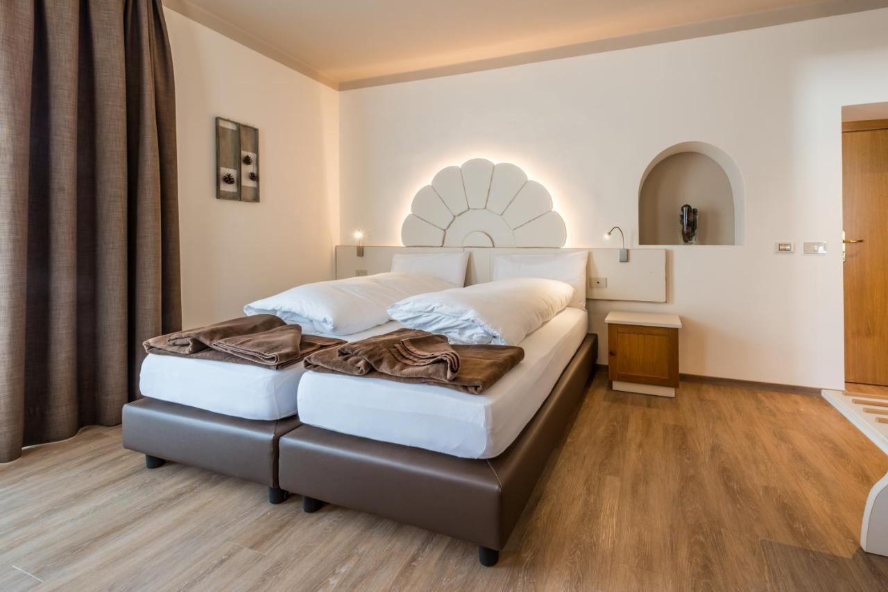 HOTEL PARADISO - Laterooms