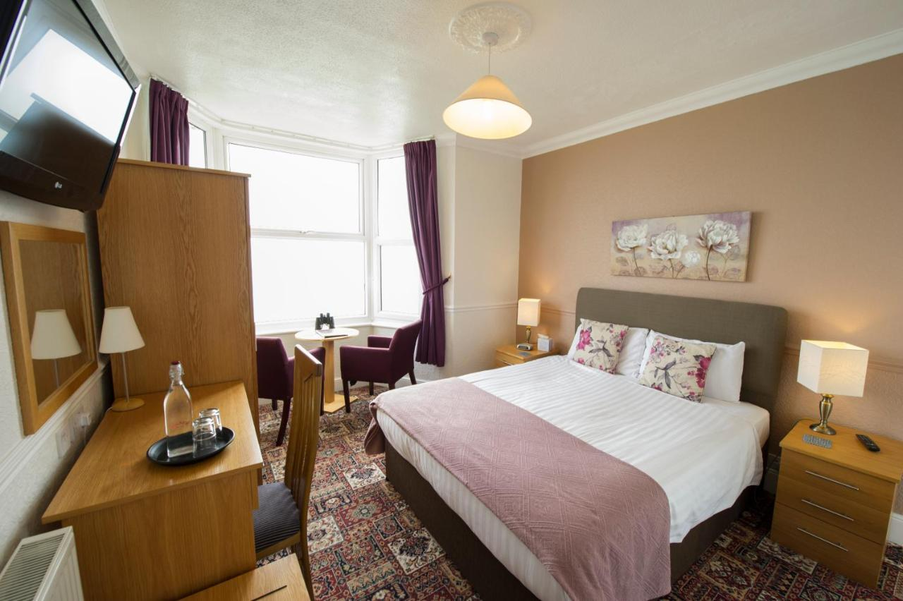 The Clifton - Laterooms