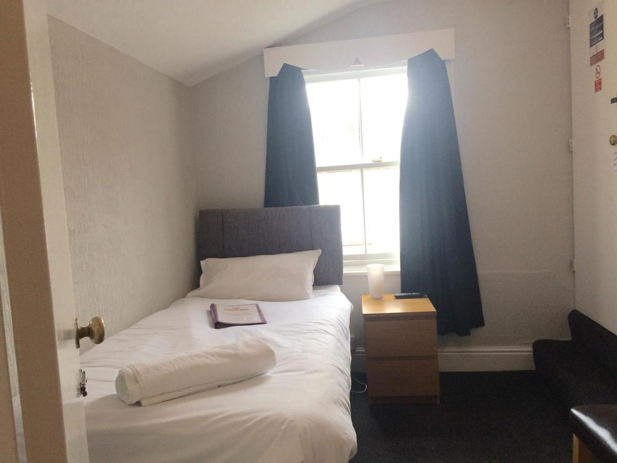 Adelphi Guest House - Laterooms