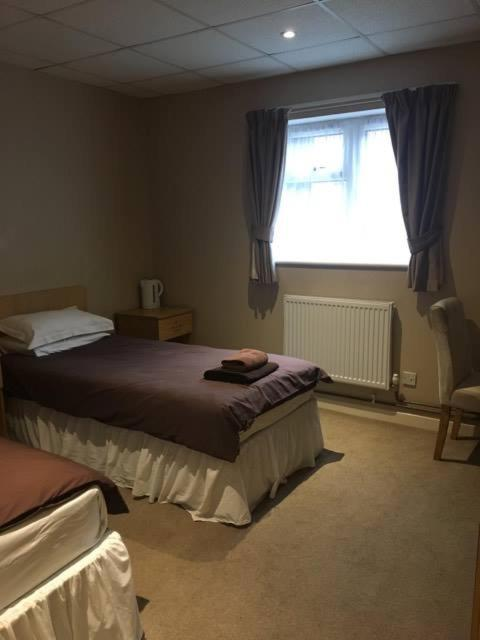 Fitzwilliam Arms Hotel - Laterooms