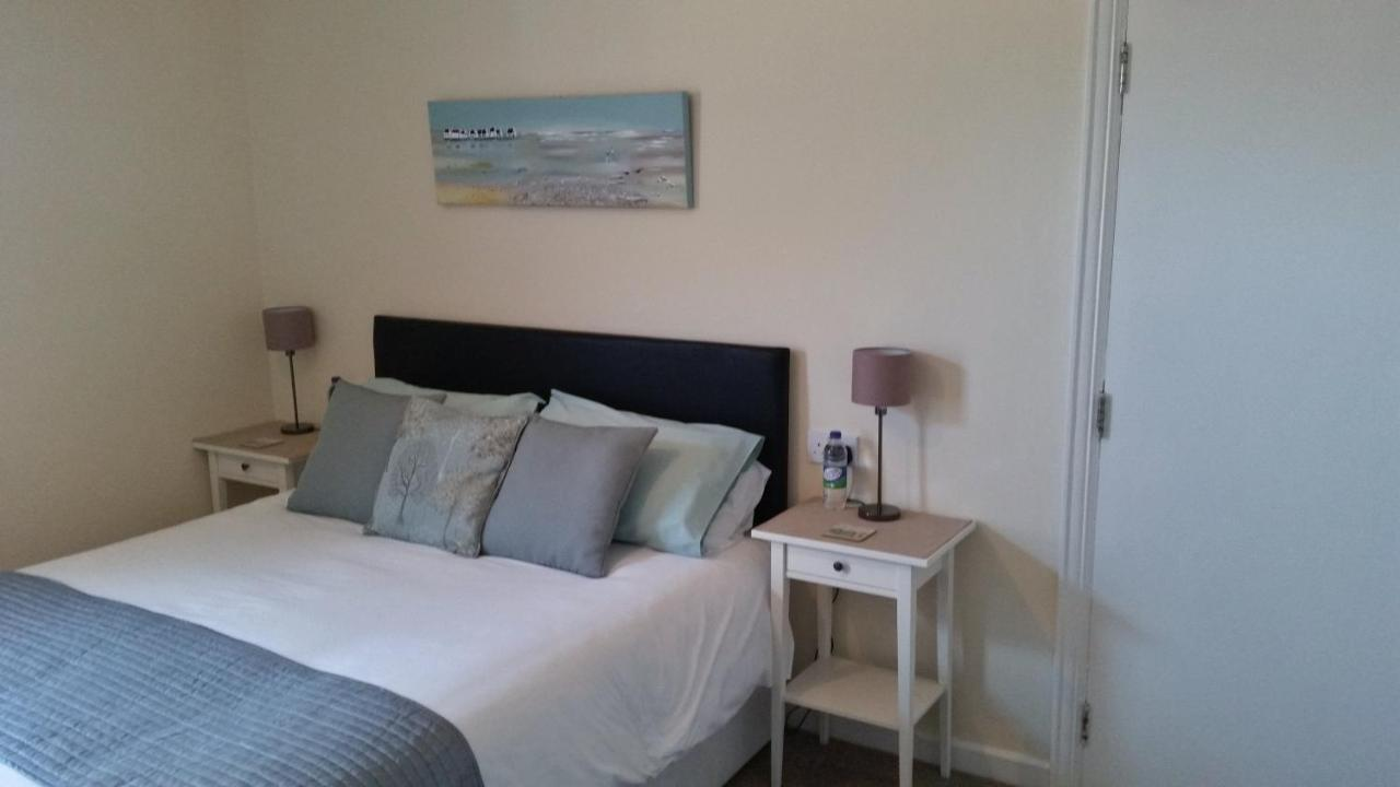 Sandra's Guest House - Laterooms