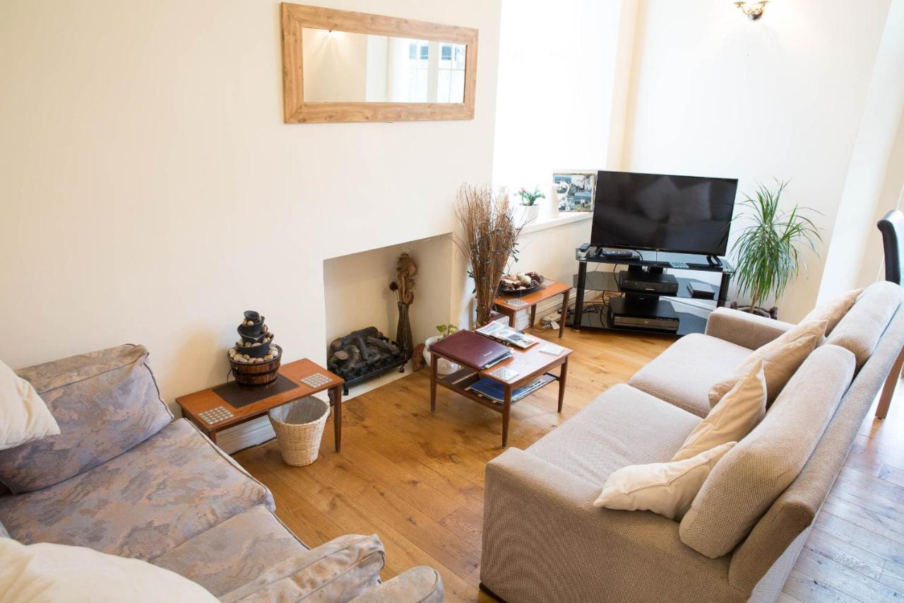Llwyn Onn Guest House - Laterooms