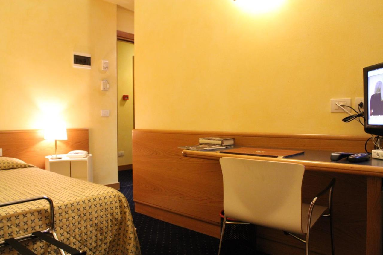 Club Hotel - Laterooms