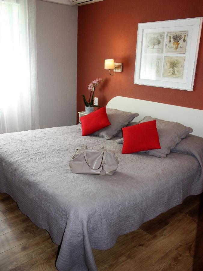 Hostellerie Le Chalet Fleuri - Laterooms
