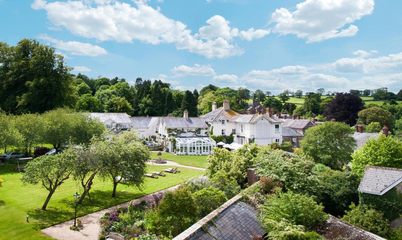 Summer Lodge Country House Hotel - Laterooms