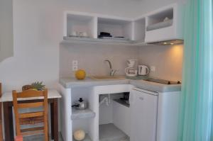 A kitchen or kitchenette at Captain Stavros