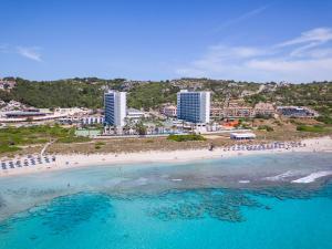 Пляж на территории отеля или поблизости