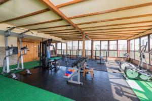 Фитнес център и/или фитнес съоражения в Хотел Авеню