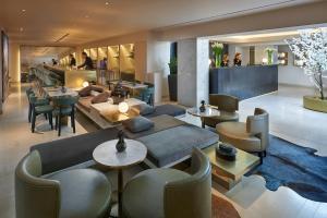 The lounge or bar area at Mandarin Oriental, Prague